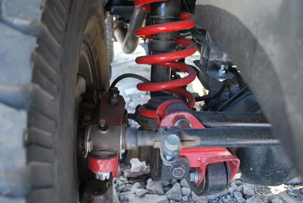 новая пружина возле колеса