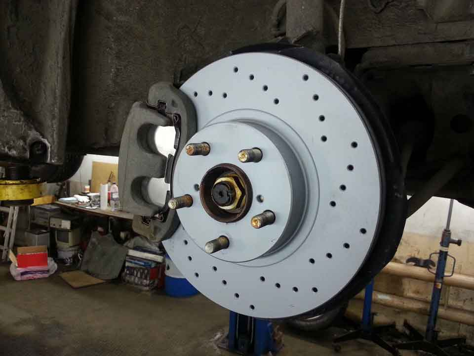 перфорированный тормозной диск